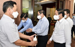 Chùm ảnh: Thủ tướng vào Bắc Giang động viên các lực lượng trên tuyến đầu chống dịch
