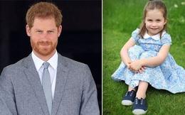 """Công chúa Charlotte được khen ngợi khí chất hệt Nữ hoàng, Harry """"muối mặt"""" khi bị đem ra so sánh với loạt điểm khác biệt"""