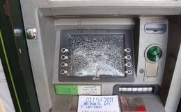 Bình Dương: Bắt giữ kẻ đập phá hàng loạt máy ATM