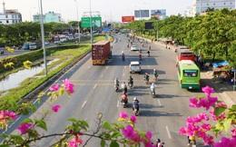 Chùm ảnh: Người dân trở lại Hà Nội và Sài Gòn sau kỳ nghỉ 30/4 - 1/5, nhiều tuyến đường thông thoáng, bến xe vắng vẻ bất ngờ