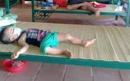 Bức ảnh gây xúc động: Bố mẹ, anh chị là F0, bé 3 tuổi tự lập trong khu cách ly tập trung