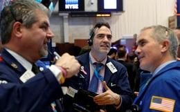 Cổ phiếu ngành bán lẻ thăng hoa, Dow Jones tăng hơn 200 điểm