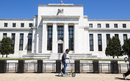 Fed cảnh báo TTCK đối diện nguy cơ 'đỏ lửa' khi định giá tài sản tăng quá cao