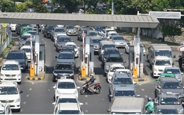 Xe ô tô ra, vào sân bay vẫn phải nộp phí, kể cả dưới 10 phút