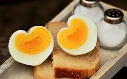 8 loại thực phẩm không nên hâm nóng bằng lò vi sóng vì gây hại cho sức khỏe và làm tăng nguy cơ ung thư