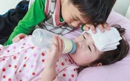 Cả 2 đứa con trong gia đình đều mắc ung thư gan, bác sĩ ứa nước mắt khuyên: 2 loại thực phẩm nên xuất hiện trên bàn ăn càng ít càng tốt