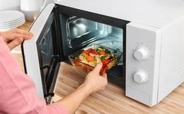 6 loại thực phẩm tiềm ẩn mối nguy hại với cơ thể khi hâm nóng: Hãy cẩn thận khi sử dụng để sức khỏe không bị hao mòn nhanh