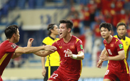 Đội tuyển Việt Nam vào tốp 90 thế giới, hơn Malaysia 68 bậc