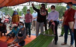 Quảng Ngãi: Chủ tịch tỉnh xin lỗi người dân đang tụ tập trước cổng Nhà máy thép Hòa Phát