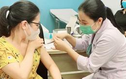 NÓNG: TP HCM xin Thủ tướng được chủ động tìm nguồn vắc-xin Covid-19