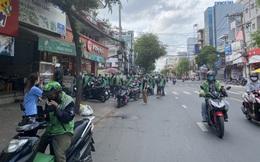 Sự đối lập giữa hai nhà hàng tại TP.HCM và Hà Nội: Bên shipper xếp hàng bội đơn, trung tâm tiệc cưới treo biển bán cơm văn phòng 35.000 đồng/suất
