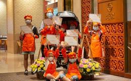 """Khách sạn 5 sao cũng """"gồng mình"""" qua mùa dịch: Sofitel Legend Metropole, JW Marriott Hanoi giao đồ ăn tận nhà, Sheraton Saigon mở lớp dạy nấu ăn cho trẻ em"""