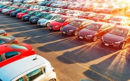 Vào mùa ế ẩm, ô tô giảm giá rầm rộ