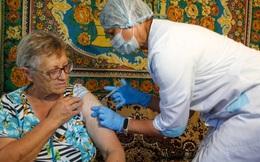 Từ hoài nghi vaccine, người Nga đổ xô tiêm phòng vì lo ngại biến chủng mới