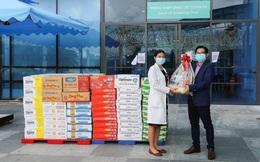"""Chiến dịch """"Bạn khỏe mạnh, Việt Nam khỏe mạnh"""": Vinamilk tặng món quà sức khỏe đến y bác sĩ tại 4 bệnh viện tuyến đầu và người thân"""