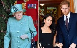 """Vợ chồng Meghan Markle đưa ra """"tối hậu thư"""" mới cho Nữ hoàng Anh khiến dư luận căm phẫn, hoàng gia đau đầu"""