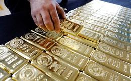 """Giá vàng bất ngờ lao dốc, """"bốc hơi"""" 40 USD/ounce chỉ trong vài giờ"""