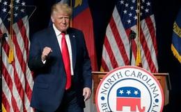 """Ông Trump rời """"đại bản doanh"""" Florida, tuyên bố Mỹ đang tụt lùi"""