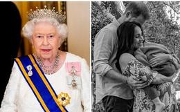 Động thái mới của Nữ hoàng Anh sau khi con gái nhà Harry - Meghan chào đời cho thấy ngay đẳng cấp của bà