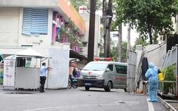 ẢNH: Chiến sĩ công an mắc Covid-19 ở quận Tân Phú được đặt ECMO, chuyển sang BV Chợ Rẫy để tiếp tục chữa trị
