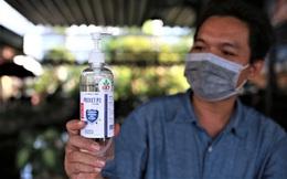 Bệnh nhân 687 trả ơn tuyến đầu đã trị khỏi Covid-19 cho mình: Chế tạo gần chục máy khử khuẩn và buồng khử khuẩn tặng cho các bệnh viện