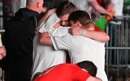 """Nước Anh chìm trong nước mắt sau trận chung kết Euro, nhiều trường học phát đi thông báo """"lạ"""""""