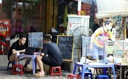 Hà Nội sẽ hỗ trợ người bán nước vỉa hè, cắt tóc, gội đầu... bị ảnh hưởng bởi COVID-19