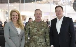 Chủ tịch SpaceX: Nữ kỹ sư tài năng lật đổ định kiến về phụ nữ trong ngành công nghiệp vũ trụ, bắt tay Elon Musk chinh phục không gian