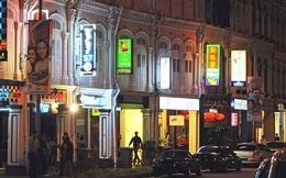 Dịch bùng phát ở tụ điểm karaoke, thuốc thử cho kế hoạch tái mở cửa của Singapore
