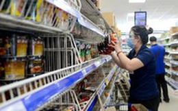 Cách ly xã hội khiến nhiều mặt hàng thực phẩm 'cháy hàng' ở TPHCM