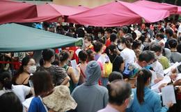 Bí thư Hà Nội gọi điện chỉ đạo khẩn vụ tập trung đông người tiêm vắc-xin ở Bệnh viện E