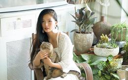 """""""Rừng cây"""" xanh mát trong căn hộ có view sông Hồng đắt giá của cô gái trẻ ở Hà Nội"""