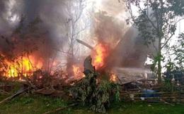 """CNN: Nhân chứng nhìn thấy nhiều người """"nhảy khỏi máy bay"""" trước khi nó phát nổ trong vụ tai nạn làm 50 người chết ở Philippines"""