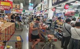 Người dân TP HCM lại đổ đến siêu thị, cửa hàng mua gom thực phẩm