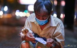 Chùm ảnh cảm xúc nhất lúc này: Thương lắm những người vô gia cư, nhưng Sài Gòn ơi, sẽ giãn cách mà không xa cách!