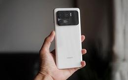 """Có tiền cũng khó mà mua những mẫu smartphone cao cấp, nhiều tính năng """"xịn sò"""" này tại Việt Nam"""