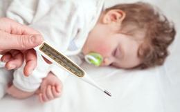 BS Nhi khoa chỉ ra 5 điều NÊN và KHÔNG NÊN làm khi con bị sốt co giật, điều thứ 2 bố mẹ thường mắc phải