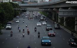 Video: Một số tuyến phố Hà Nội đông đúc dù đang giãn cách xã hội