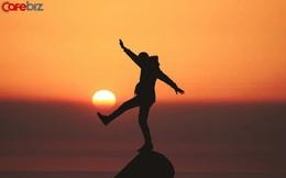 Trong thế giới người lớn, không ai là không mệt mỏi, chỉ là đã quen nhẫn nhịn: Càng từng trải càng an tĩnh, càng thông minh càng khiêm tốn