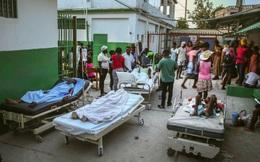 """Haiti """"oằn mình"""" chống đỡ thảm họa kép: Mưa bão làm tồi tệ thêm hậu quả của động đất"""