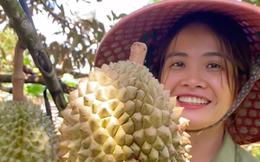 Bỏ Sài Gòn về quê làm vườn, cô nàng gây sốt với loạt clip viral: Sầu riêng, bơ trĩu quả, xem mà không thể kìm lòng!