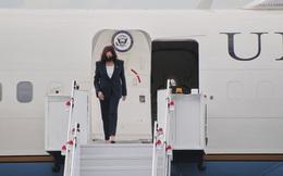 Phó Tổng thống Mỹ Kamala Harris tới Singapore, bắt đầu chuyến công du Đông Nam Á