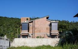 Chơi với nhau khi thanh xuân, đôi bạn thân Đà Nẵng quyết định mua đất xây 2 căn biệt thự cạnh nhau để sống đến cuối đời