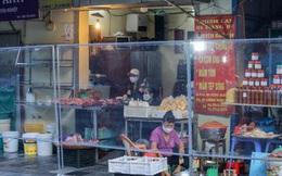 Đi chợ 'nhà giàu' nổi tiếng Hà Nội, mua đồ ăn qua vách ngăn