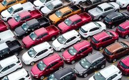 CLIP: Hàng ngàn chiếc ôtô phơi nắng trong dịch Covid-19