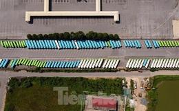 Hà Nội giãn cách, hàng trăm xe buýt 'ngủ la liệt' trong bến