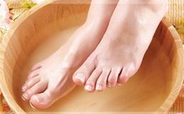 Thói quen ngâm chân rất tốt cho sức khỏe nhưng người bị tiểu đường cần chú ý 6 điều