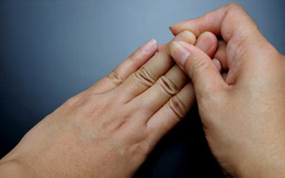 """Bác sĩ nhắc nhở: Nhận thấy 4 điều bất thường này ở tay thì có thể phổi đang """"kiệt quệ"""", nặng hơn có thể dẫn đến ung thư"""
