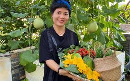 """Mẹ đảm Đà Nẵng chia sẻ bí quyết """"vàng"""" trồng rau quả theo mùa trên sân thượng, quanh năm năng suất trái sai trĩu cành"""