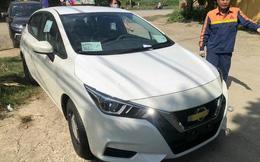 Nissan Almera bản 'taxi' về đại lý: Mâm thép, 'cắt' nhiều option nhưng động cơ mạnh hơn bản 'full', giá 469 triệu đồng